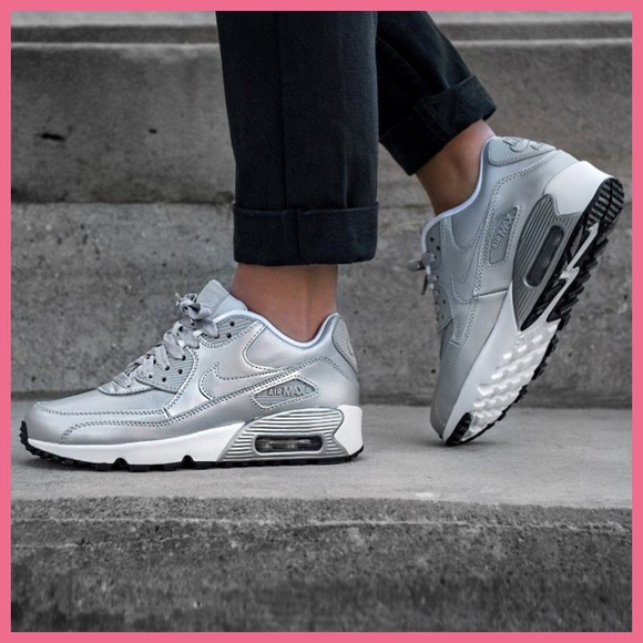 NIKE AIR MAX 90 Ultra SE Girls Size 6Y Platinum Silver Grey